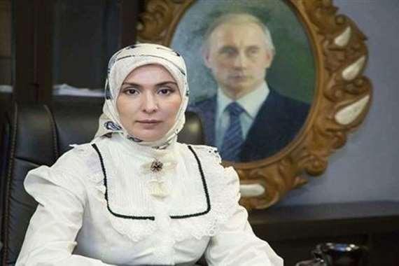لأول مرة في تاريخ روسيا.. صحفية مسلمة تنافس بوتين في انتخابات الرئاسة