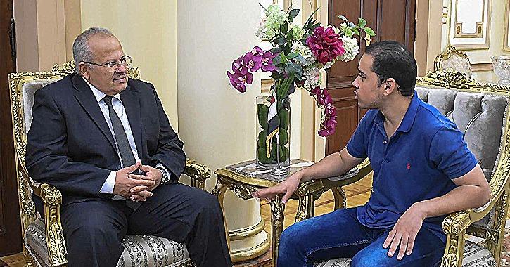 حديث مع رئيس جامعة القاهرة حول التعليم والأنشطة ومفاجآت الطلاب في العام الجديد