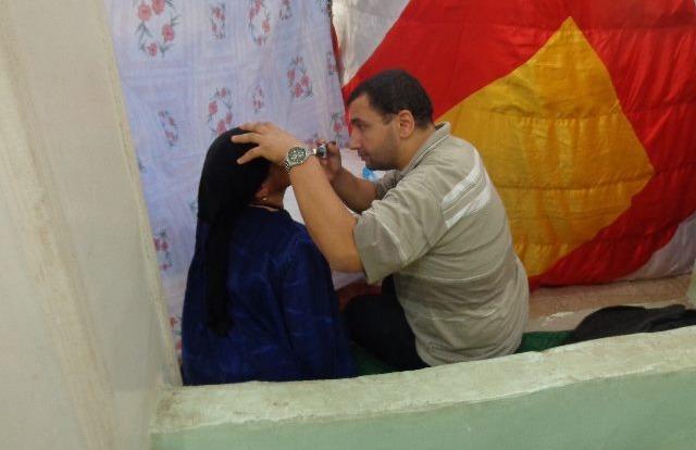 صور| جامعة المنوفية تجري الكشف الطبي على أهالي «منوف»