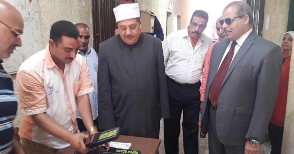 رئيس جامعة الأزهر يتفقد لجان امتحانات الثانوية الأزهرية في العباسية