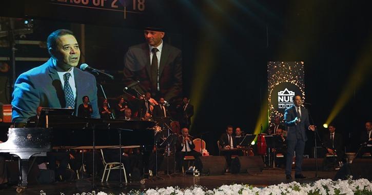 مدحت صالح يُحيي حفل تخرج طلاب جامعة النهضة