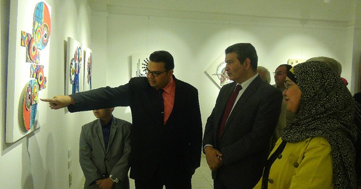جامعة المنيا تفتتح معارض «إبداعات نسجية ودواير دواير» بكلية التربية الفنية