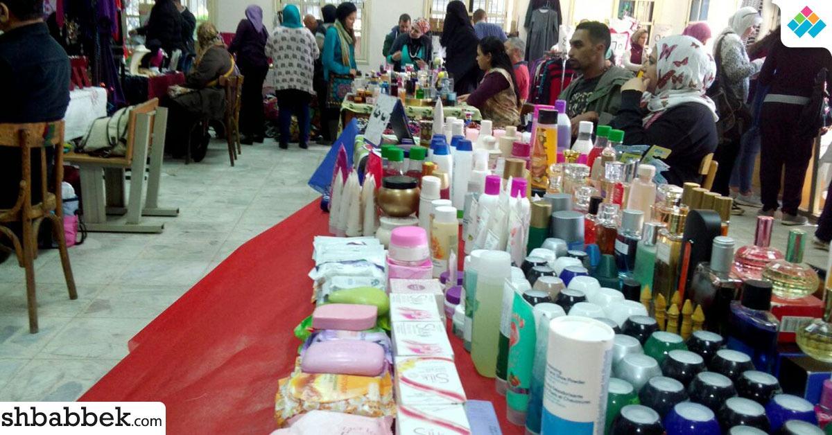 معرض منتجات مصرية في جامعة القاهرة