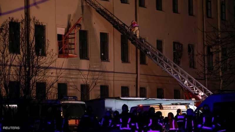 انهيار جدار مبنى جامعي في روسيا.. ومحاولات لإنقاذ الطلاب تحت الأنقاض
