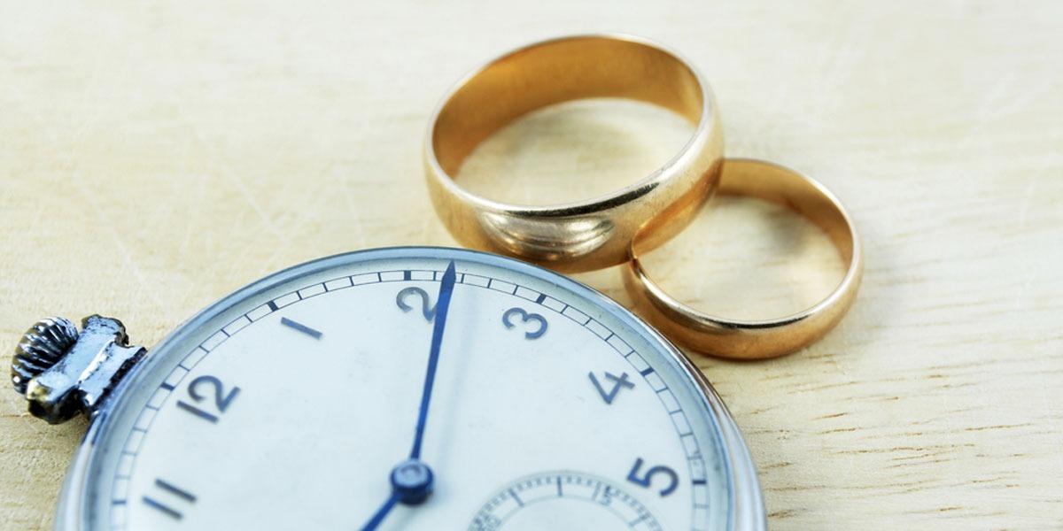 فوائد تأخر سن الزواج