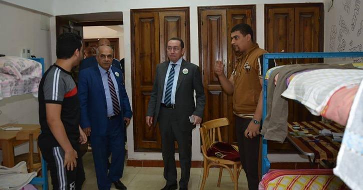 لجنة تقييم الجامعات المصرية تصل الزقازيق وتتفقد المباني والمنشآت