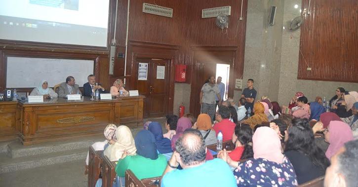 لقاءات تعريفية للطلاب الجدد في كلية الآداب جامعة القاهرة