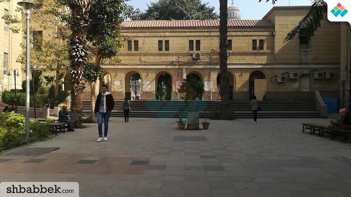 إقبال طلابي ضعيف بجامعة القاهرة في أول يوم دراسي (صور)