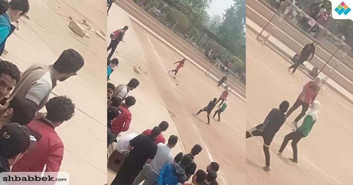 دوري كرة قدم نسائي في جامعة الأزهر.. والطلاب يتفرجون (صور)