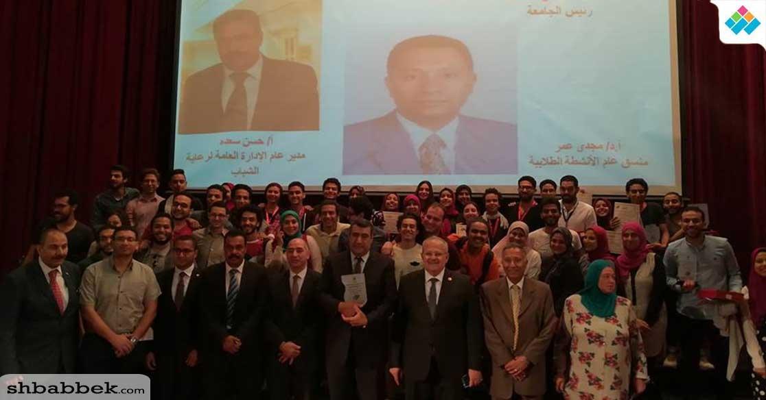 كلية الهندسة تحصد المركز الأول لمهرجان العروض الطويلة بجامعة القاهرة