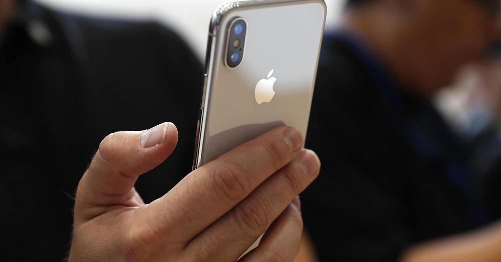 آبل تواجه أزمة بشأن توفير هاتفها الجديد  iPhone X