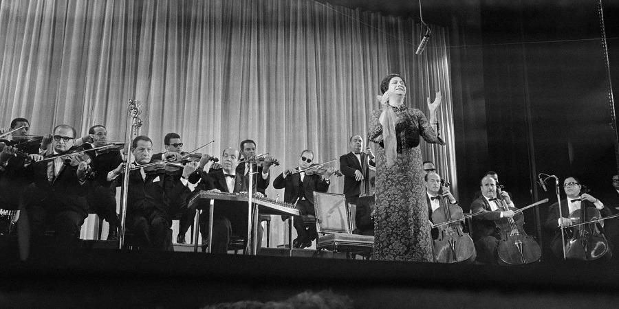 التصفيق أصلي ومزيف.. هذه علاقة الإيقاع البدائي مع الغناء في مصر