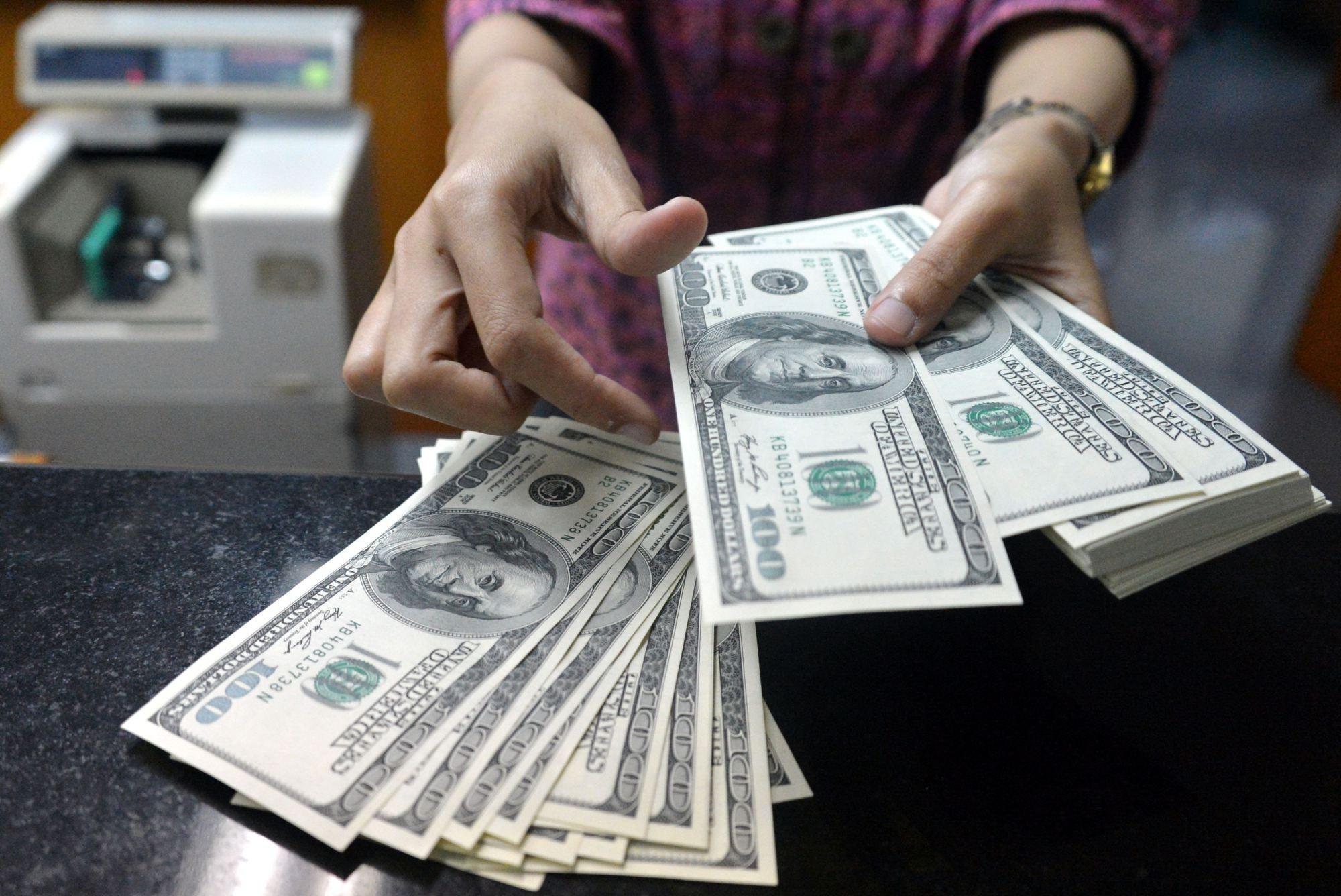الدولار يصل 18.23.. تعرف على الأسعار في البنوك المصرية