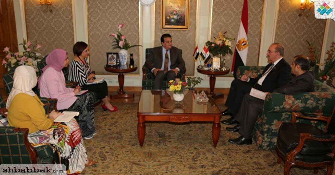 وزير التعليم العالى يبحث آليات التعاون العلمى مع العراق (صور)