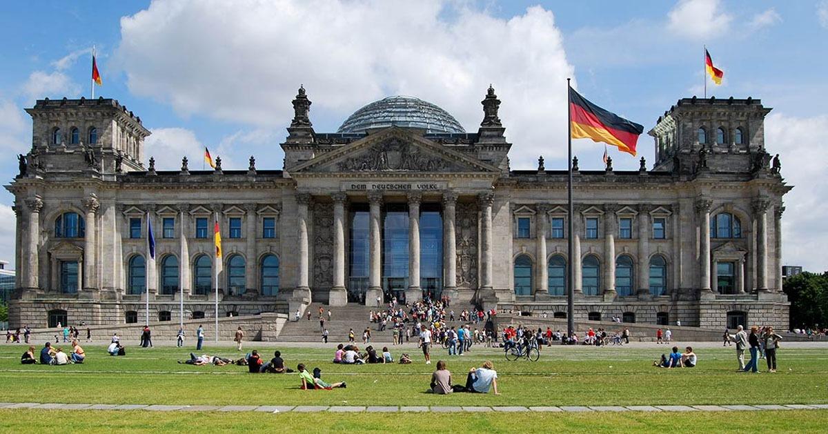 أسباب تدفعك لتعلم اللغة الألمانية.. دراسة مجانية وعائد مادي كبير