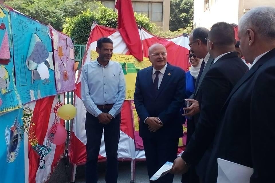 رئيس جامعة الزقازيق يفتتح معرض «إبداع» لأنشطة الأسر بكلية التجارة