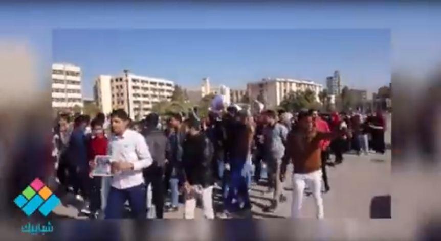 مستشار رئيس جامعة الفيوم يقود مسيرة طلابية تضامنا مع القضية الفلسطينية