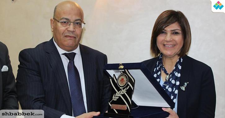 عميدة آداب عين شمس تكرم الأمين العام المساعد للبرلمان العربي