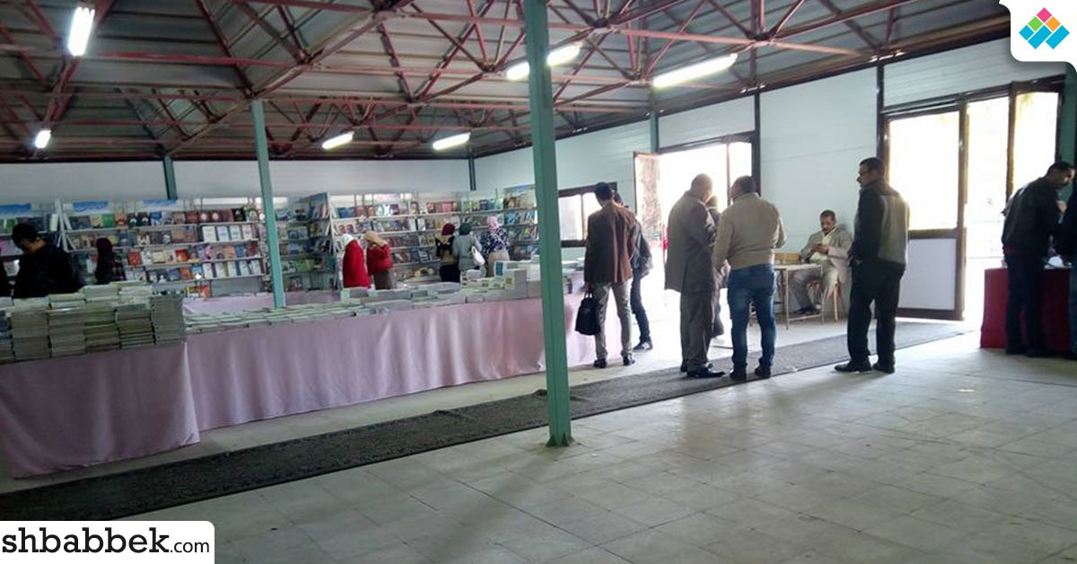 جامعة أسيوط تنظم معرضا للكتاب (صور)