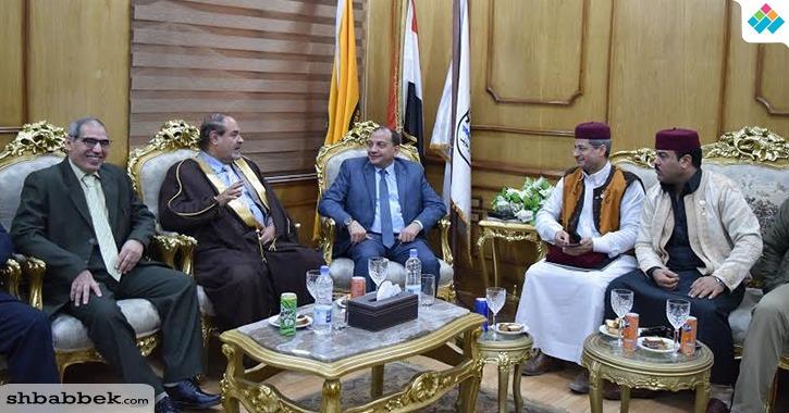 رئيس جامعة بني سويف يستقبل قيادات القبائل العربية.. لماذا؟