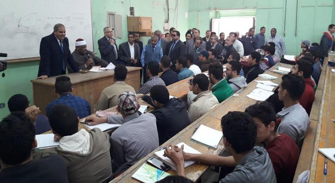 بالصور.. رئيس جامعة الأزهر يزور فرع الجامعة بقنا