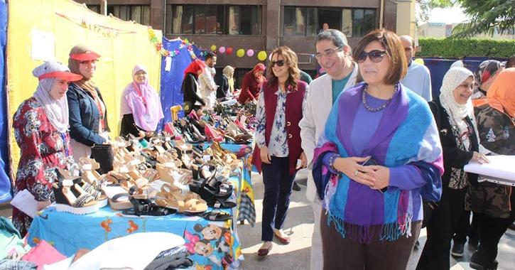 افتتاح معرض الملابس الخيري بكلية الآداب جامعة عين شمس