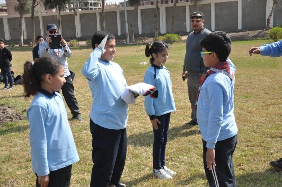 طلاب «مدرسة النيل» يتعرفون على الفنون الكشفية في جامعة المنيا