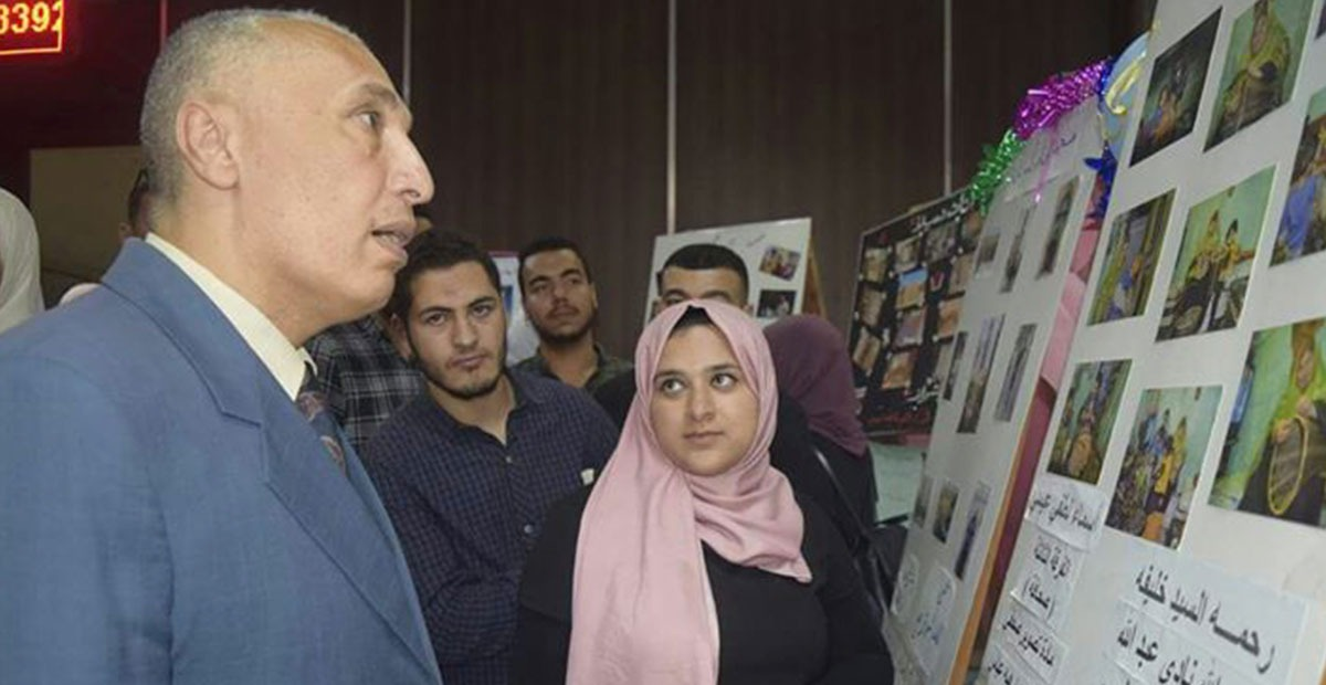 عميد آداب المنوفية يفتتح المعرض المصور لطلاب كلية إعلام