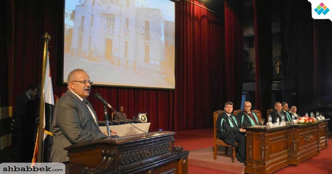 في حفل تخرج طلاب العلوم.. رئيس جامعة القاهرة: «الكلية سبب رفع التصنيف الدولي»