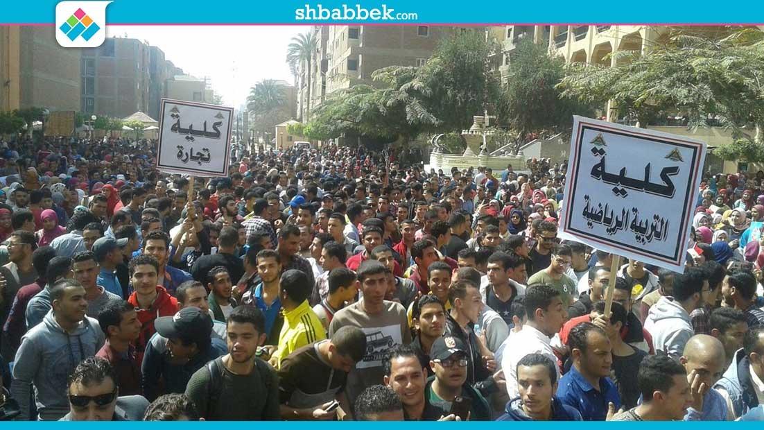 http://shbabbek.com/upload/جامعة بنها تحشد الطلاب لتأييد الجيش.. ورئيس الجامعة: تصدوا لأعداء لمصر