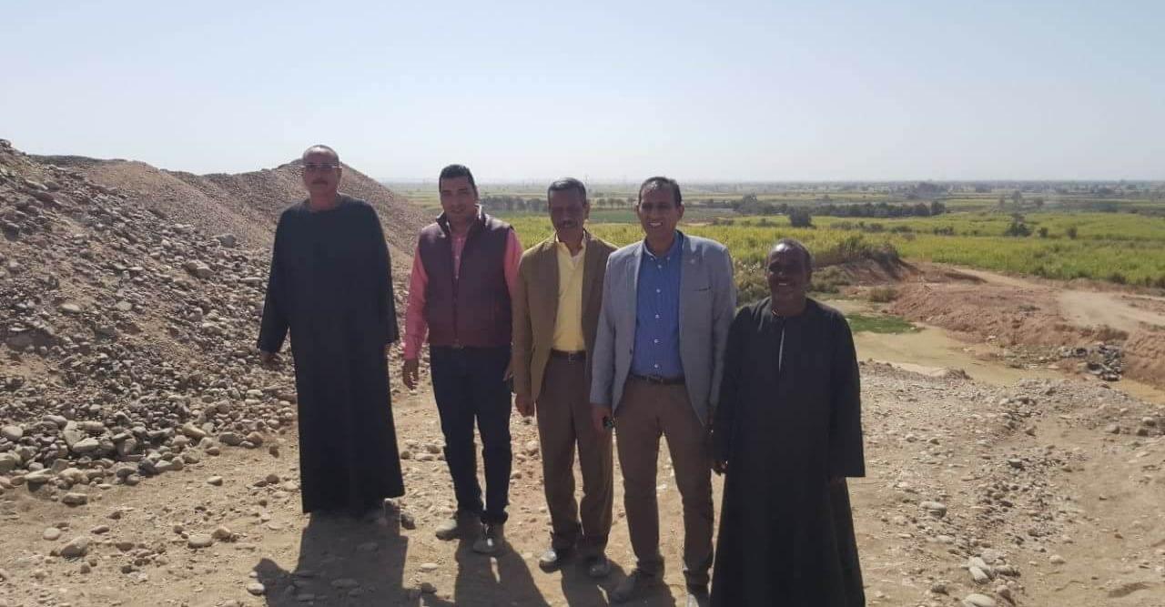 رئيس جامعة أسوان يتفقد عمليات تطوير مزرعة «عنيبة»
