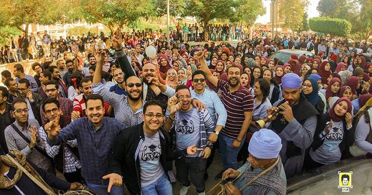 «حمّو بيكا» يثير الجدل في جامعة أسيوط.. شاهد تفاعل الطلاب مع مهرجاناته