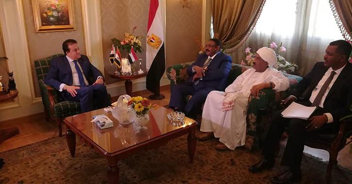 وزير التعليم العالي يبحث سبل التعاون مع نظيره السوداني