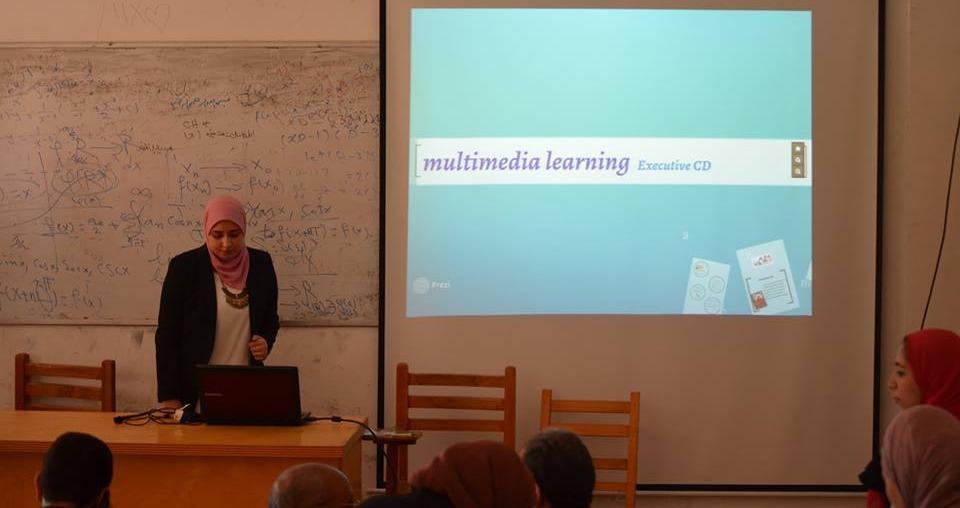 صور| مناقشة مشاريع تخرج الطلاب بكلية العلوم جامعة بورسعيد