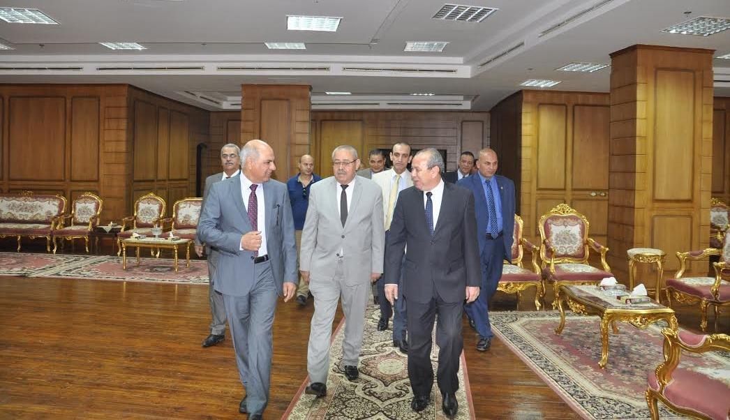 محافظ كفر الشيخ الجديد يزور الجامعة