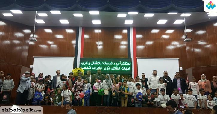 «سعادتهم حياة».. جامعة بنها تنظم احتفالية للأطفال الأيتام وذوي الإعاقة