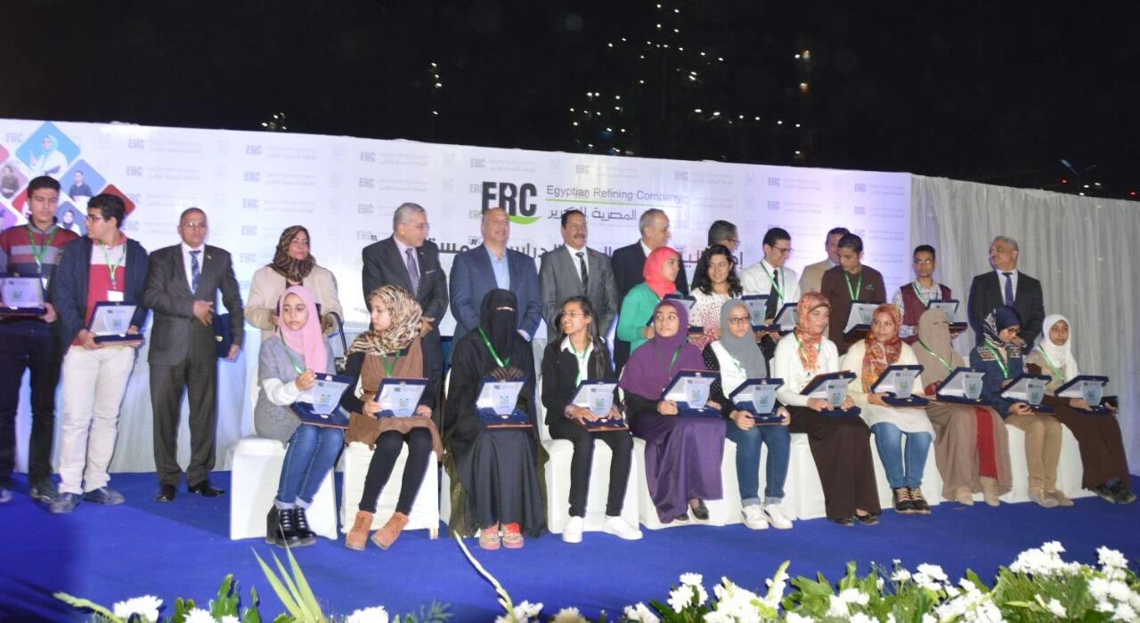طلاب عين شمس يحصلون على 17 منحة ضمن برنامج «مستقبلي»