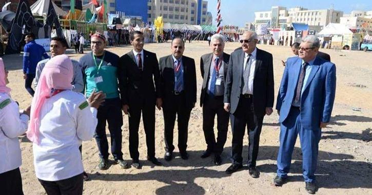 رئيس جامعة المنصورة يتفقد الوفد المشارك بفعاليات أسبوع شباب الجامعات