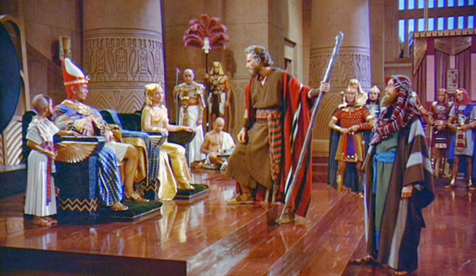 من هو فرعون سيدنا موسى؟.. رمسيس أم تحتمس أم خوفو؟