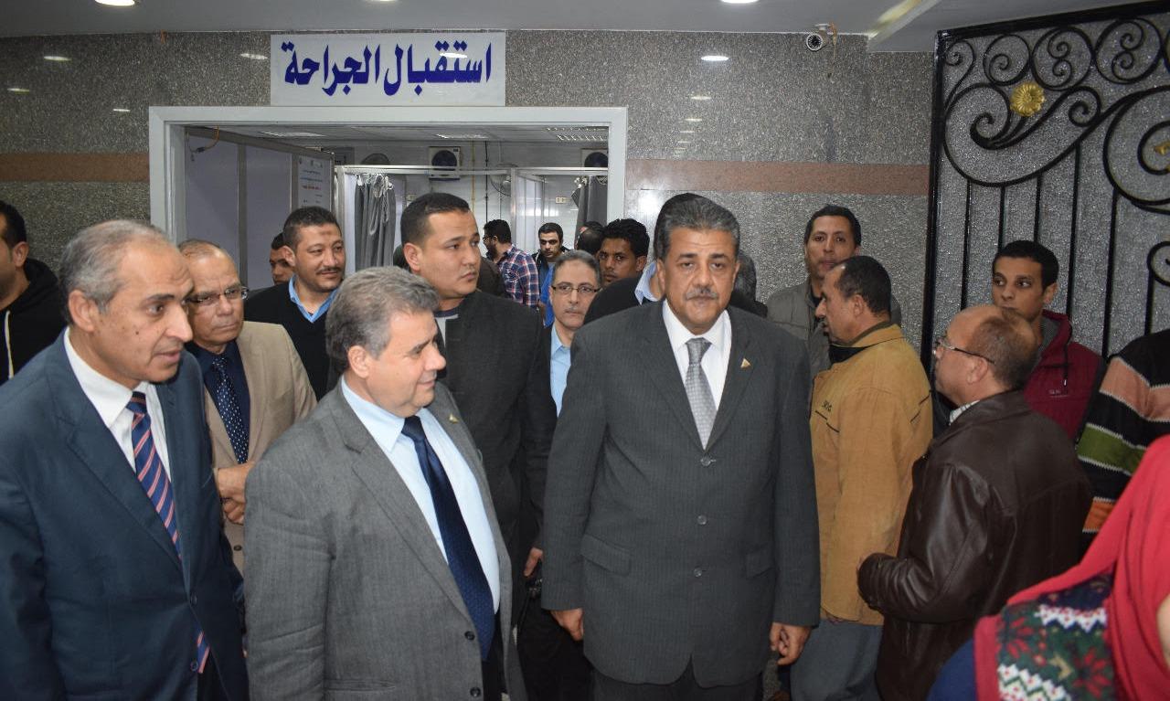 رئيس جامعة بنها يتفقد عمل المستشفى الجامعي: لا مجال للمقصرين