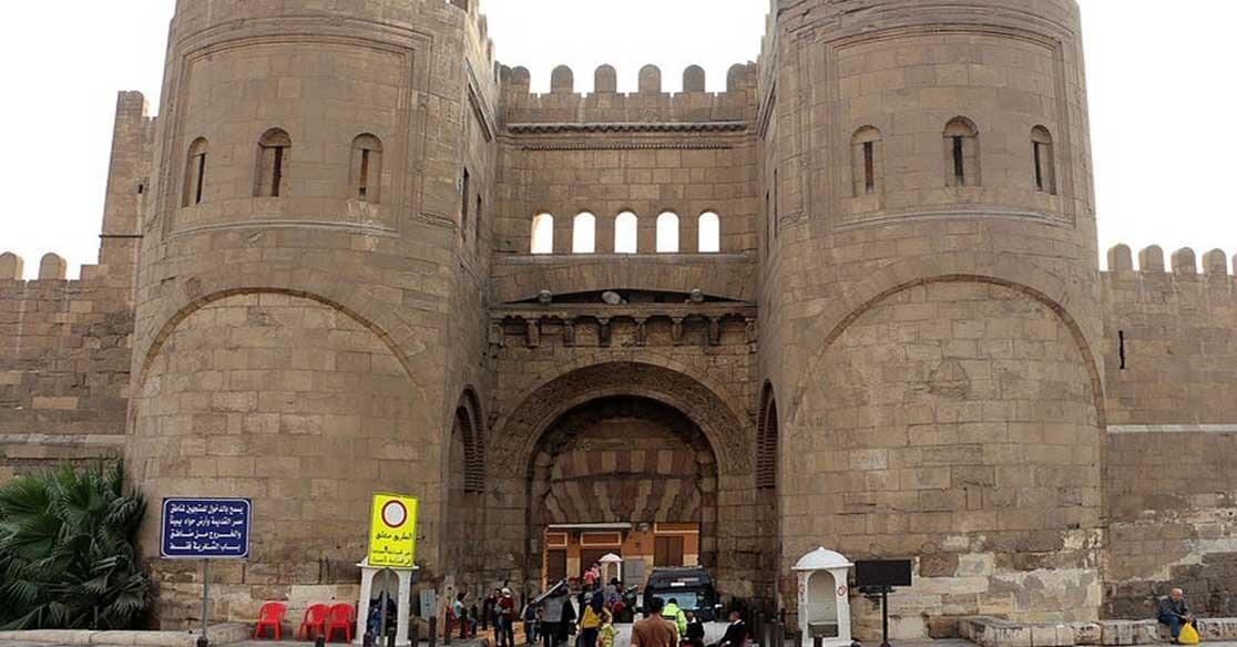حكاية أسوار القاهرة القديمة