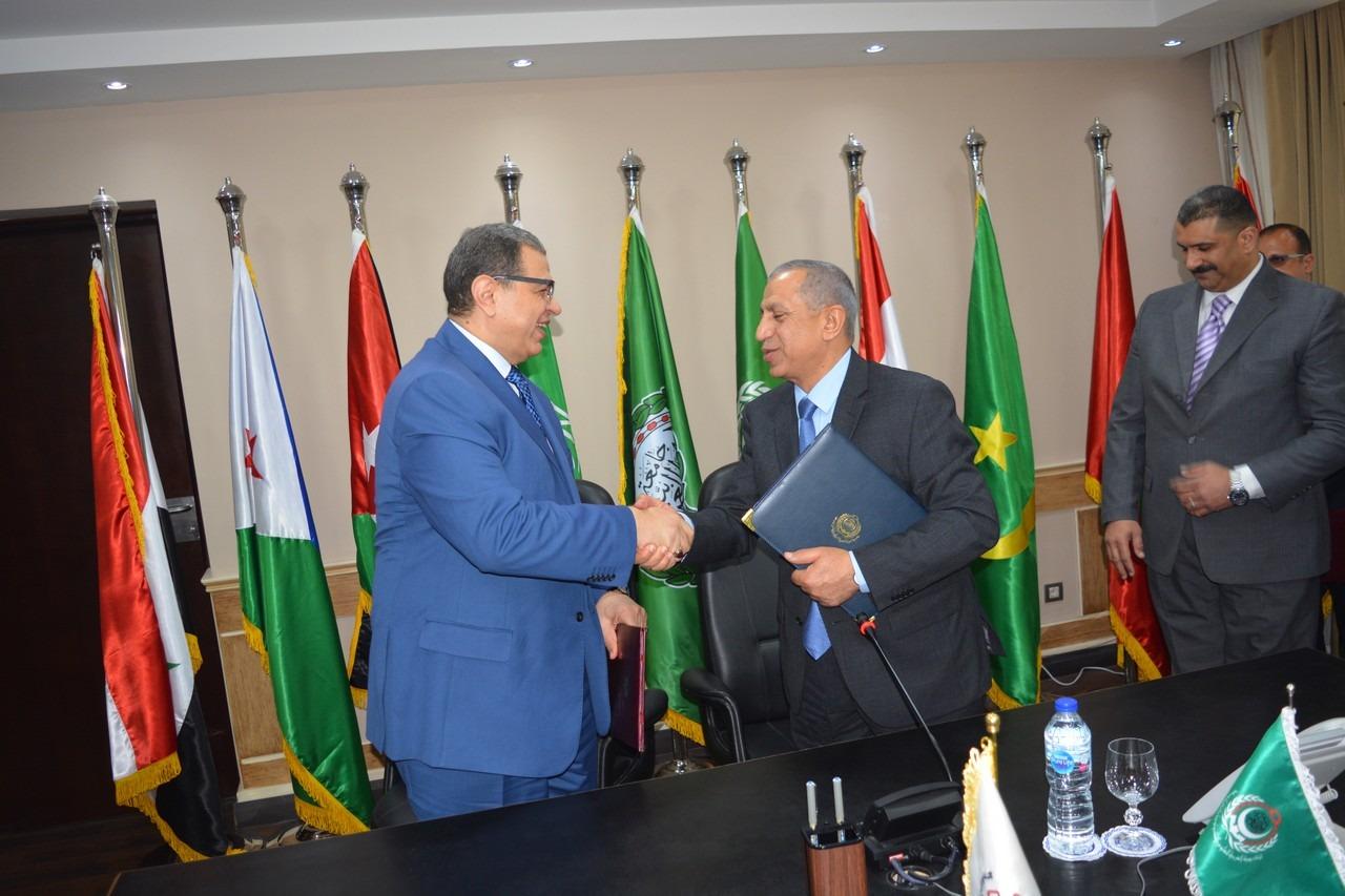 «القوى العاملة» و«العربية للعلوم والتكنولوجيا» توقعان اتفاقيتين لتنمية مهارات الطلاب