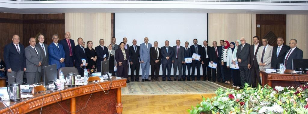 مجلس جامعة طنطا يكرم الاساتذة الحاصلين على جوائز الجامعة العلمية