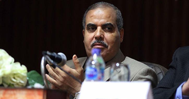 رئيس جامعة الأزهر يواجه اتهامات بالتزوير في أوراق رسمية (مستند)