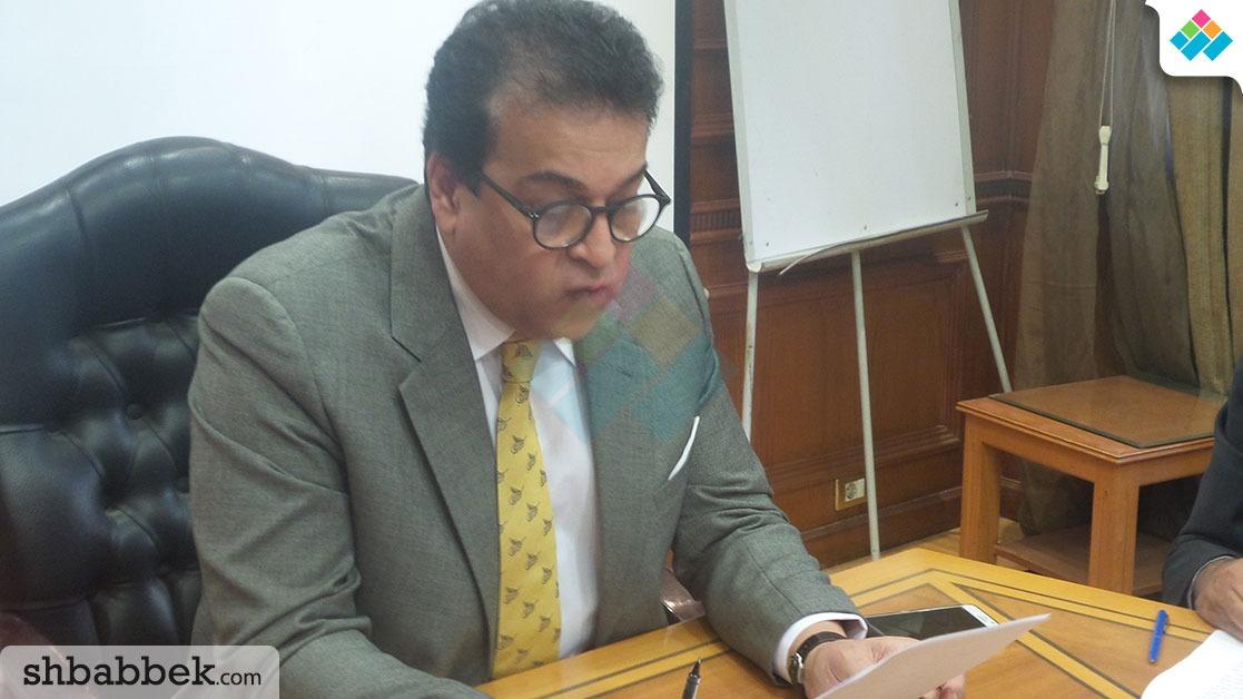 وزير التعليم العالي عن أزمة «النهضة»: سنجتمع بالطلاب والمخالف نطبق عليه القانون