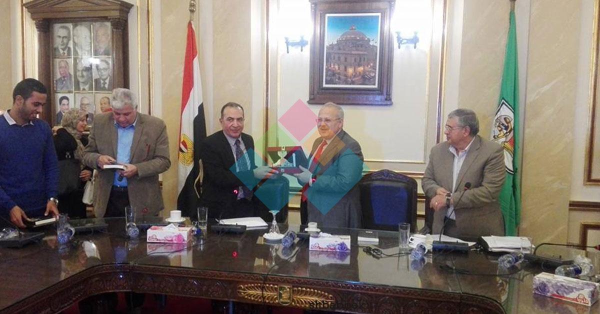 رئيس جامعة القاهرة: تاريخ مصر قبل الثورة كان مشوها (صور)