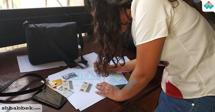 توافد طلاب وطالبات كلية إعلام القاهرة على الترشح في انتخابات الاتحاد