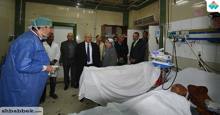 زيارة مفاجئة لرئيس جامعة القاهرة في أقسام طوارئ قصر العيني (صور)