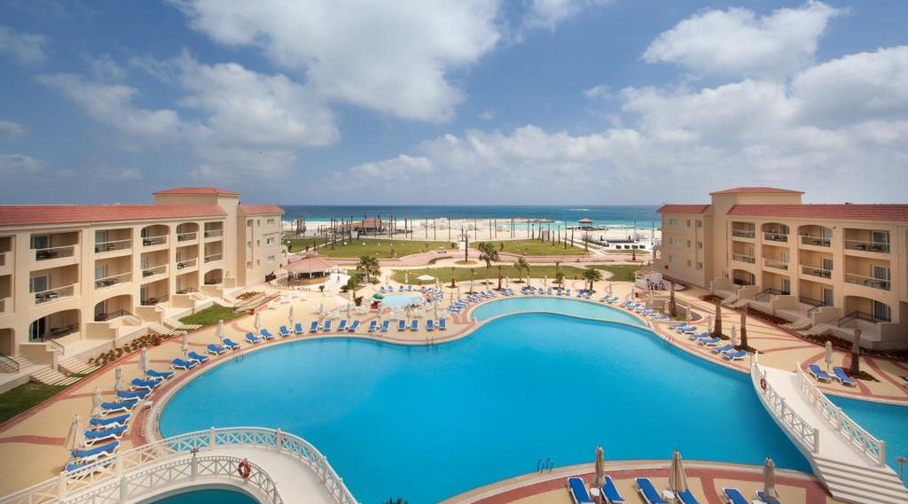 استمتع بمطروح على «قد الإيد».. أفضل الفنادق و«ع البحر»