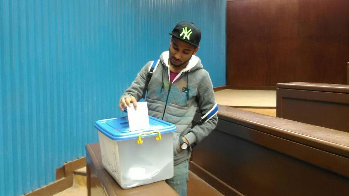 إقبال ضعيف في إعادة انتخابات اتحاد «آداب حلوان».. وهذه أرقام النصاب القانوني